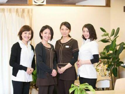 おはな整骨院グループの中でも、特に女性施術家が活躍できる美容に特化した院です!