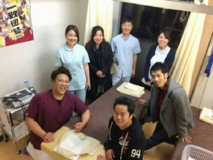 宮城県を中心に北海道や関東・四国に事業展開する「株式会社フロンティア」が運営す薬局併設の整骨院!大手ならでは充実福利厚生制度あり♪