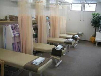\骨折・捻挫等外傷の施術に力を入れています/近隣医院、整形との連携、レントゲン読影あり◎