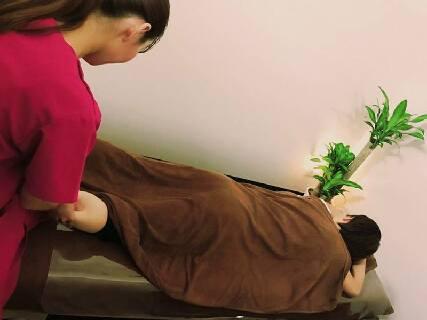 【パーソナルトレーニング施設と治療院の併設☆】整骨院業務に加えトレーナー・美容施術者としての経験・スキルも習得♪