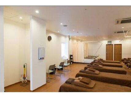 。゚+ 月給25万円から +.゚ 未経験大歓迎♪「柔道整復師+鍼灸師」のダブルライセンスで、更に月給27万円に♪