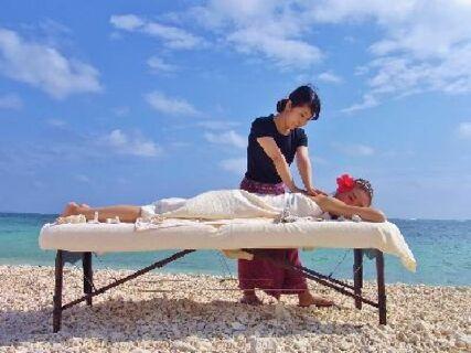 【週休二日制】【社員寮完備】【採用お祝い金あり】沖縄の人気のリゾート地「石垣島・西表島・小浜島」の美しい自然に囲まれながら、働きませんか??