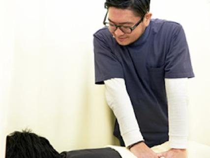 【柔道整復師急募!】マイカー通勤OK◎交通事故治療・美容鍼・訪問治療等幅広く経験を積むことが出来ます!