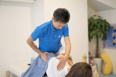 \エキテン口コミランキング第1位の人気整骨院!/滋賀県唯一の痛くない背骨矯正&オスグッド治療も学べます!