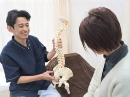 【完全予約制】【初診から担当制】問診・施術・患者対応・マーケティングなどの研修制度が充実&独立支援制度あり!自費治療に力をいれ、患者さん一人一人に向き合い施術を行っている接骨院です。