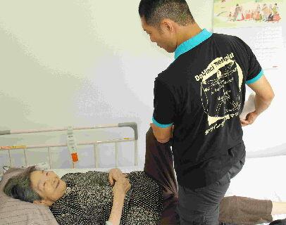 1日最大6件の訪問!1日平均2万円支給!人を育てて大切にする会社です!治療家のための治療院です!